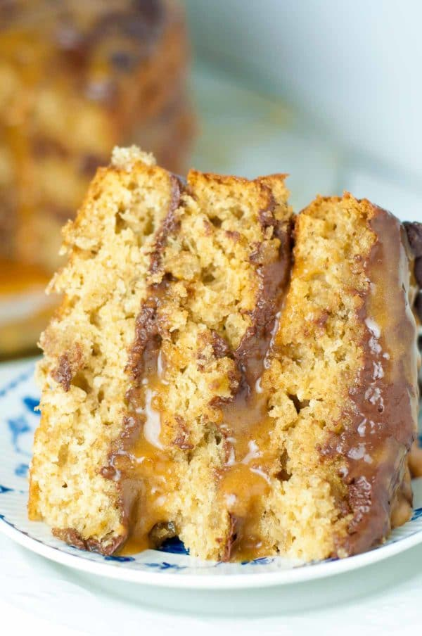 Carmelita Oatmeal Cake is a huge, fluffy, to-die-for version of your favorite carmelita bar recipe. Light oatmeal cake layers are sandwiched between semi-sweet chocolate frosting and lots of gooey caramel. http://www.mamagourmand.com