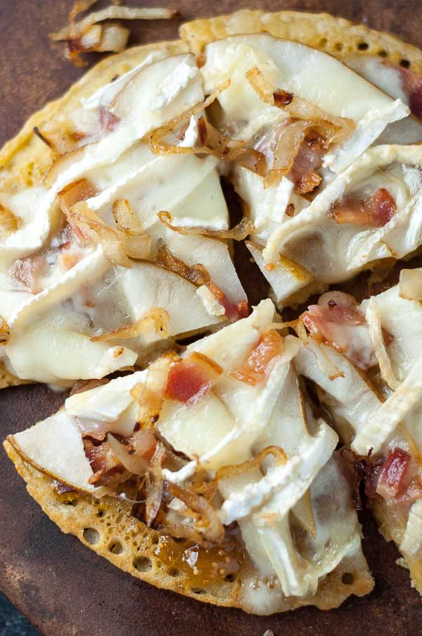 , Caramelized Onion, Bacon Socca Pizza with Fig Jam is sweet, creamy ...