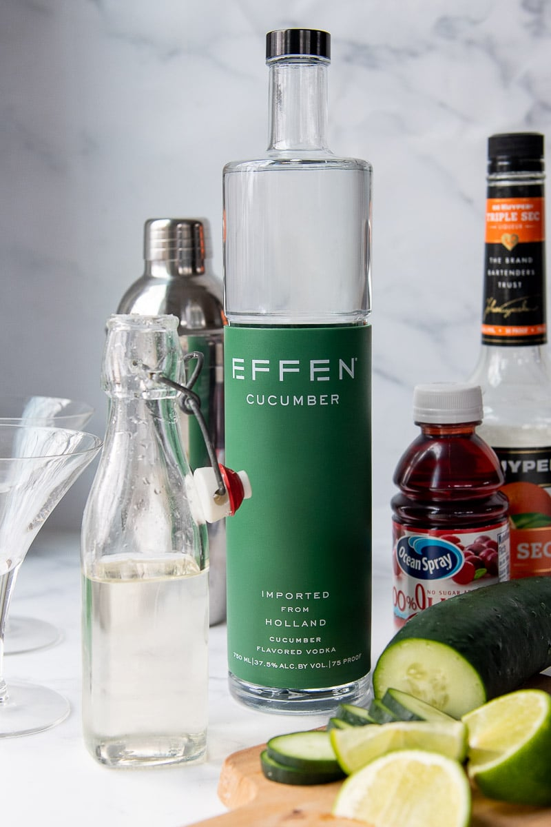 ingredients needed to make a cucumber cocktail