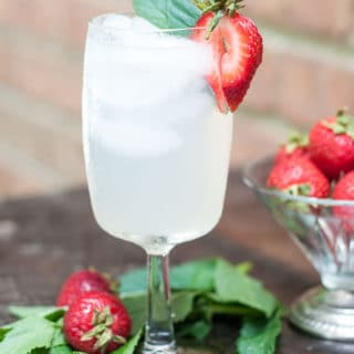 I keep coming back to this Essential Summer Lemonade Cocktail because it's refreshing, not overly sweet, thirst-quenching, and very simple to make. http:/www.mamagourmand.com